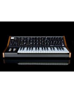 Moog - Sub 37 Tribute Edition